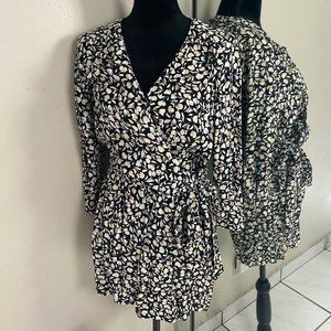 Who What Wear Printed Wrap Romper Size Small